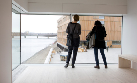 'Punctual' young Swedes attract EU employers