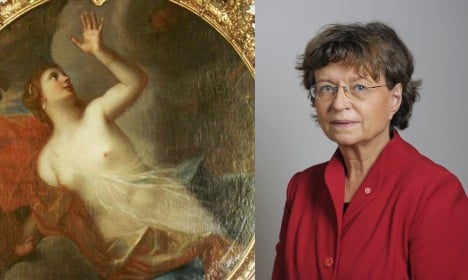 House speaker removes painted breasts
