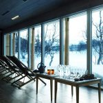 A warm, sweaty spa with a view of the snow.Photo: Fjällnäs