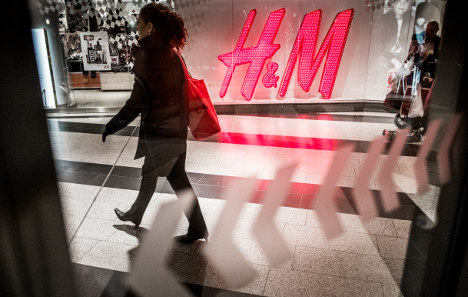 H&M shares sink as profits disappoint