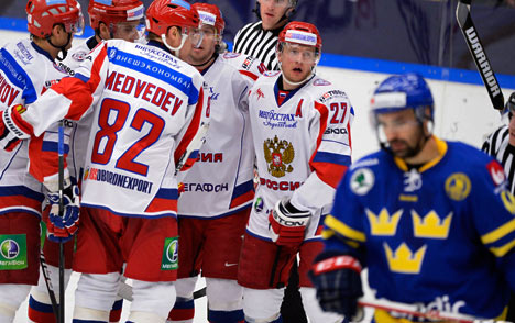 Swedes look to sweep Russia off home ice