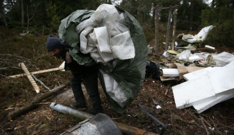 Evicted migrants in serious bus crash