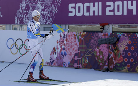 Surging Swedes take relay Sochi gold double