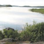 """It's just a hop, skip and a jump from the courthouse to this fabulous lake, with canoeing, swimming and fishing all possible. <b><a href=""""http://www.holidaylettings.co.uk/rentals/karlstad/375394?utm_source=The+Local+Sweden&amp;utm_medium=CPA&amp;utm_campaign=Search+now+button"""" target=""""_blank"""">More information here.</a></b>"""