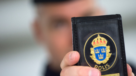 Police evict Romanians from Stockholm camp