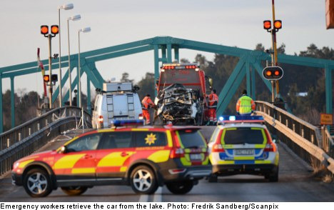 Cop fined after two die in high-speed bridge chase
