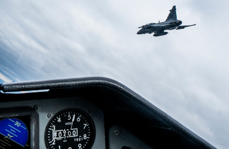 Swiss reject fighter jet deal with Sweden