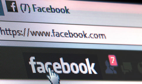 Swede's salary chopped for Facebook use