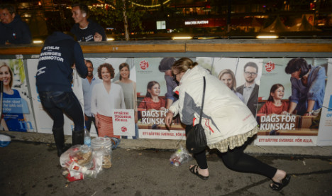 Swedish election rivals in poster compromise