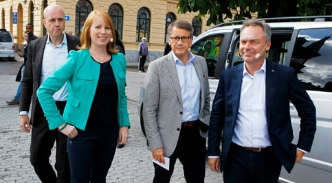 Red-greens stay way ahead of Alliance in polls
