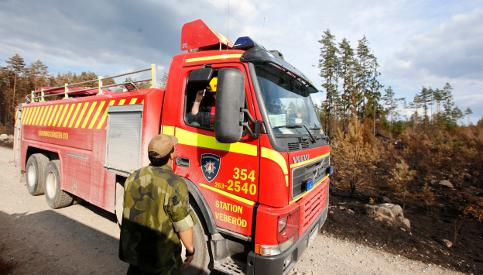 Firefighters push to get Swedes back home