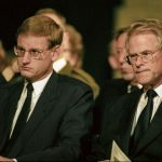 Then Prime Minister Carl Bildt and future PM Ingvar Carlsson attend a memorial service for the  victims in October 1994. Photo: Pawel Flato / SvD / TT/