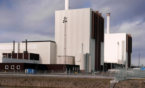 Nuclear freeze agreed by new government