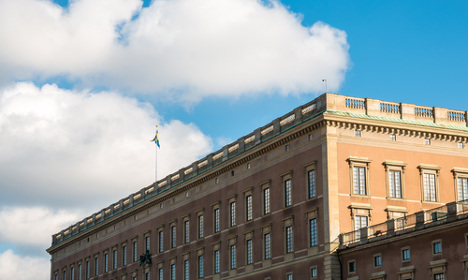 Stockholm palace to get 'warm pink' paint job