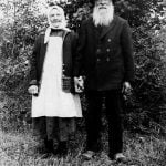 The yeoman farmer Carl Anders Samuelsson, born in 1857, and his wife Anna Lena.