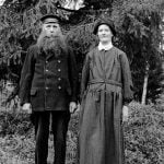 The crofter Karl Oskar Lööw, born in 1873, and his wife, who is not named.