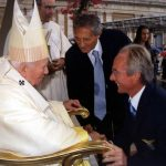 Sven enjoyed a long career in Italy, winning the Italian league with Lazio in 2000. He's pictured here meeting the Pope that same year. Photo: AP Photo/Arturo Mar