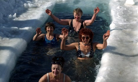 Swedes join New Year's Day icy dip trend