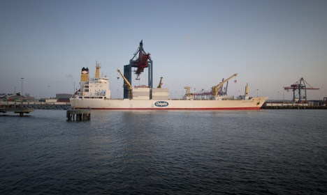 Gothenburg recovers after mystery oil spill