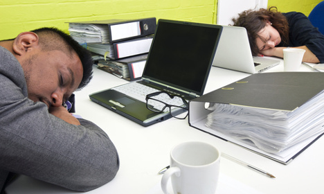 Swedes 'slack off' for two hours each work day
