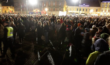 Anti-racists swamp first Pegida rally in Sweden