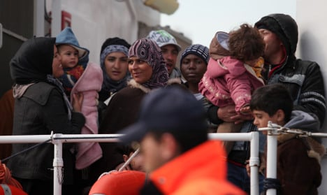'Relocate Syrian refugees within Europe' says UN
