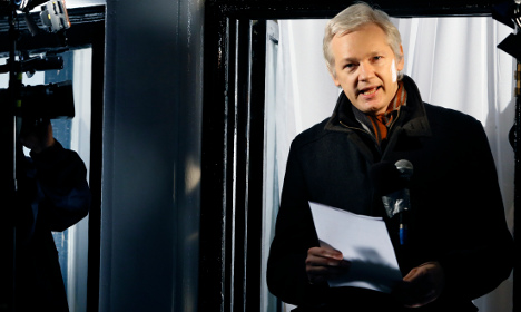 Assange agrees to be questioned in London