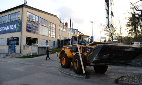 Thieves crash loader into store in Stockholm raid