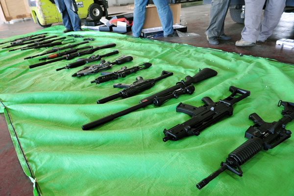 Police bust weapons smuggling ring