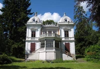 Huge Swedish house for sale for just one krona