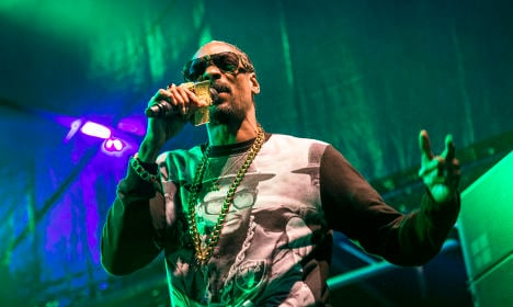 Swedish police briefly hold rapper Snoop Dogg