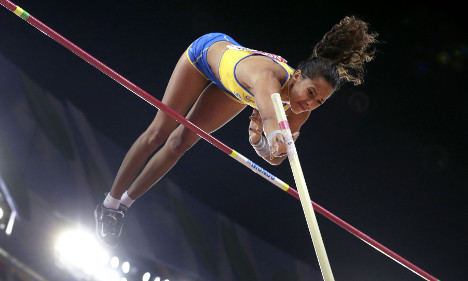 New pole vault record but no medal for Swede
