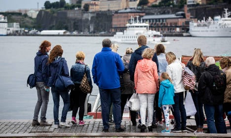 Soaring air traffic as Swedes seek out sun