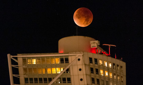 Swedes stay up to catch glimpse of supermoon