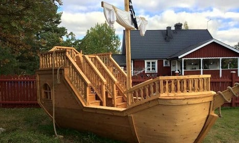 Ahoy! Swede builds giant pirate ship in his garden