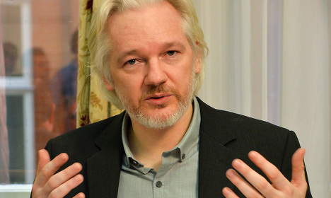 Sweden to question Assange on rape claims