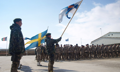Pressure piles on Sweden to join Nato