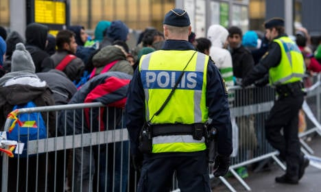 Sweden faces difficult task deporting '80,000' migrants