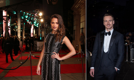 Vikander and Fassbender refuse to kiss for camera