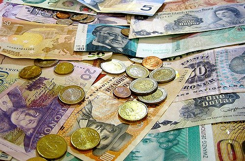 What's the best way for expats to transfer money abroad?