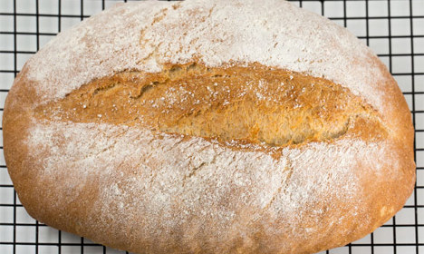 How to make traditional Swedish spelt bread