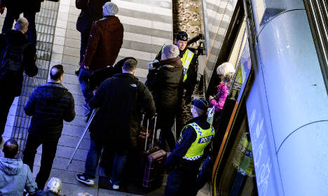 Sweden set to keep border checks in place this spring