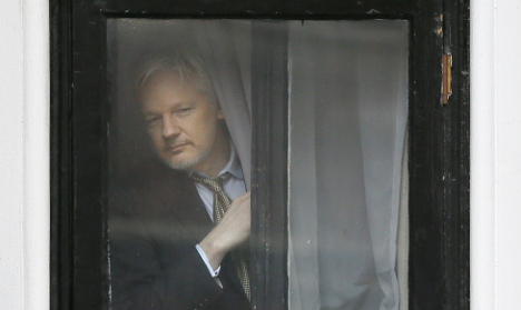 Lawyers: Assange's texts may cast doubt on sex claims