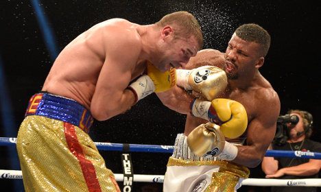 'Disgusted' Swedish boxer retains world crown