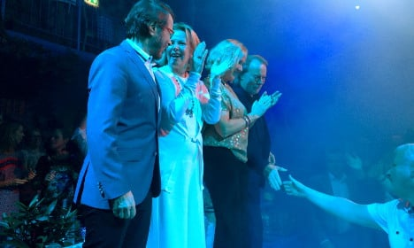 Is it true Abba reunited to sing together on stage?
