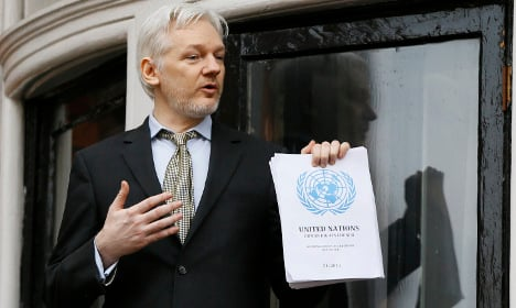 Ecuador says Sweden can interview Assange in London