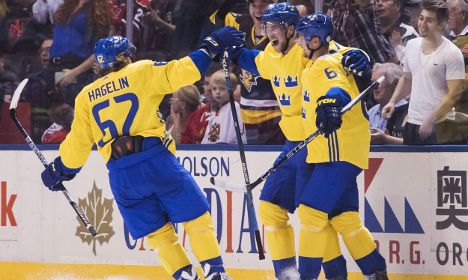 Sweden fights off Russia in Ice Hockey World Cup