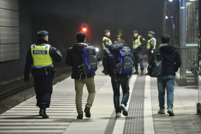 Number of asylum seekers to Sweden dropped sharply in 2016