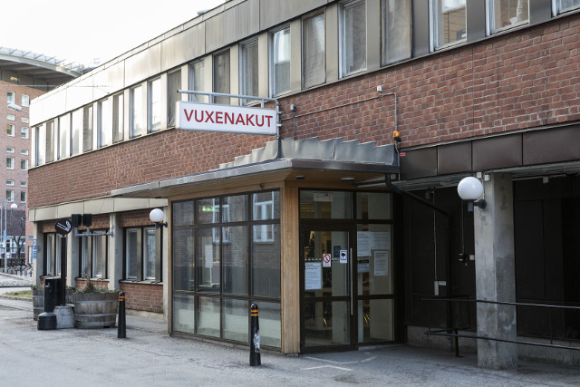 Man dies after coming to Stockholm hospital with gunshot wounds