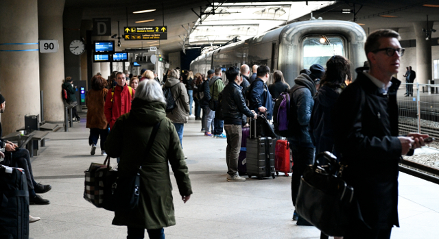 More rush-hour trains and shorter journey times promised for Öresund Bridge commuters